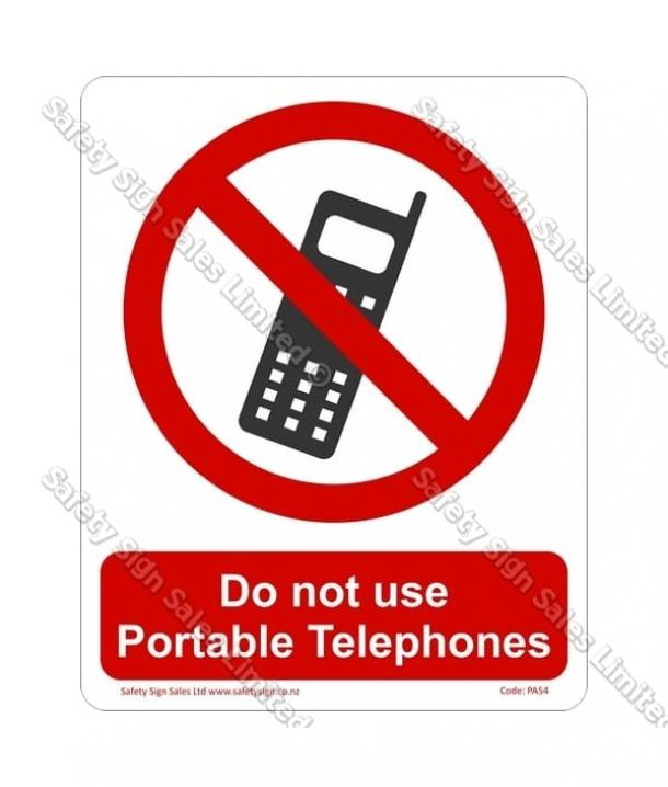PA54 – Do Not Use Phones Sign
